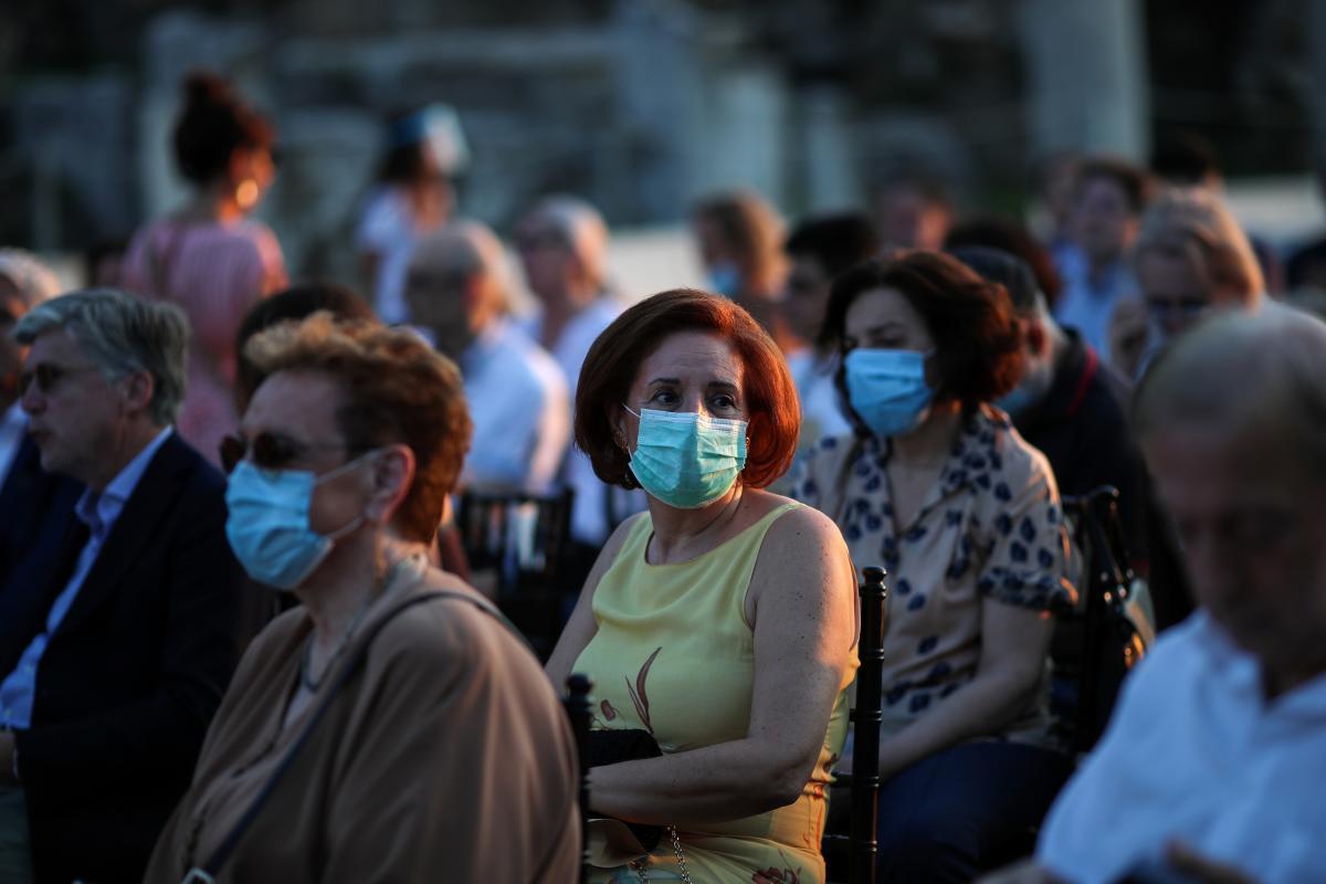 В Украине зафиксировали более тысячи новых инфицированных COVID-19