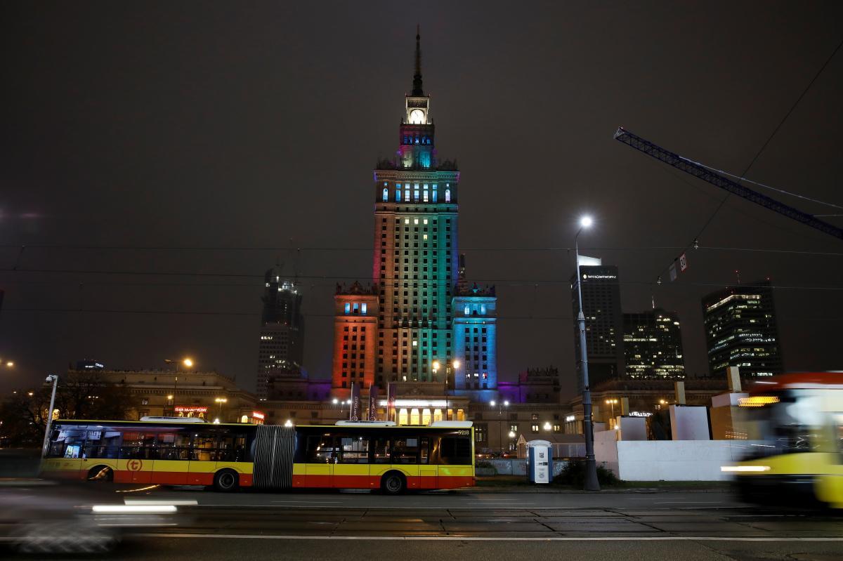В Польше представлен план смягчения карантина для сокращения экономических убытков