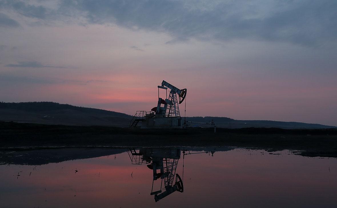 Страны ОПЕК+ продлили сокращение добычи нефти до конца июля