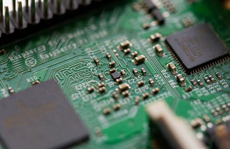 В сентябре Китай установил рекорд по закупкам чипов иностранного производства
