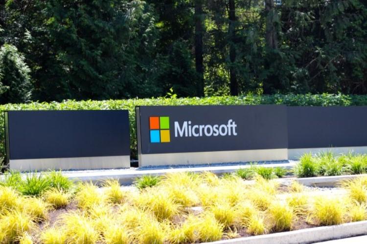 Экс-сотрудник Microsoft получил тюремный срок за мошенничество с подарочными картами