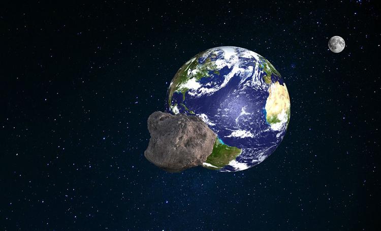 Сегодня к Земле приблизится астероид размером с два футбольных поля