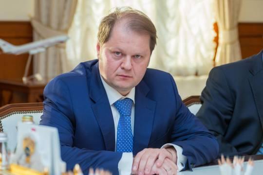 О ком и о чем может думать замминистра транспорта Владимир Токарев, принимая управленческие решения