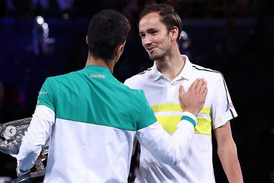 Джокович обыграл Медведева в финале Australian Open и назвал его одним из самых сложных соперников в жизни