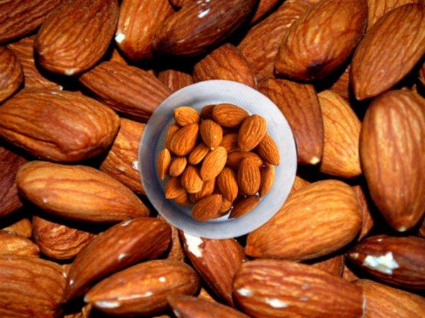 Миндаль улучшает здоровье сосудов и поможет похудеть