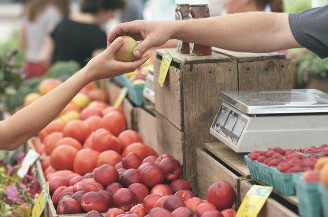В России резко выросли оптовые цены на яблоки