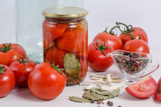Закрутим в банку помидоры. 6 способов консервирования