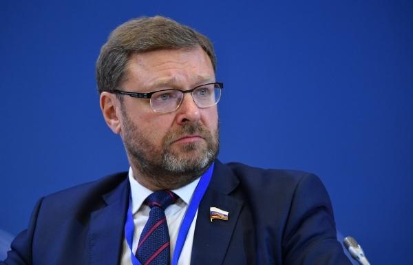 Сенатор Косачев ответил на запрет Запада просить помощи у России на фоне коронавируса