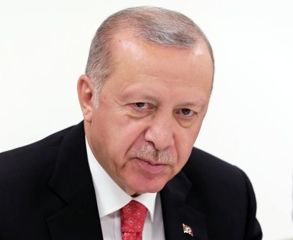 Эрдоган обвинил РФ, США и Францию в поставках оружия в Армению