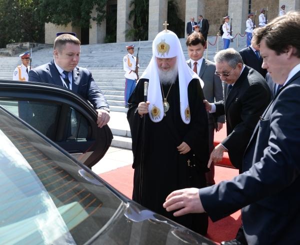 Патриарх Кирилл объяснил слухи о своем богатстве