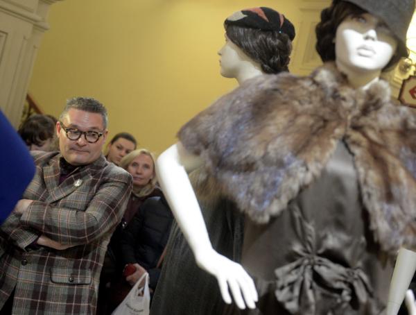 «Выглядит по-барски!» Историк моды о любви россиян к меху и «изнанке» экомеха