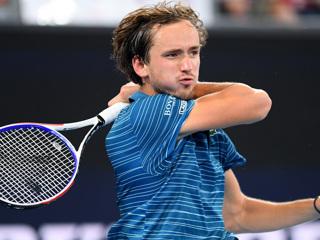 Медведев обыграл Надаля и вышел в финал Итогового турнира