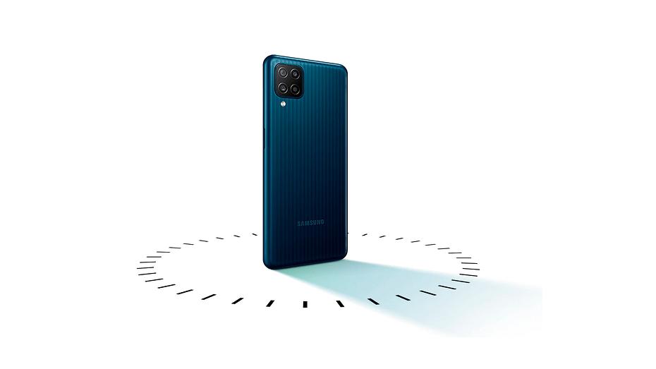 В Россию прибыл доступный 'монстр автономности' Samsung Galaxy M12
