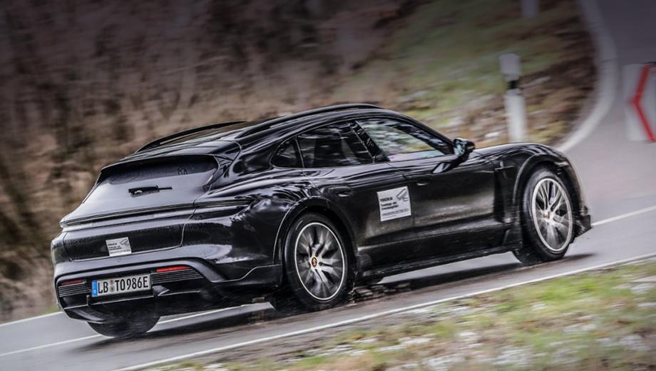 Универсал Porsche Taycan Cross Turismo раскроется в марте
