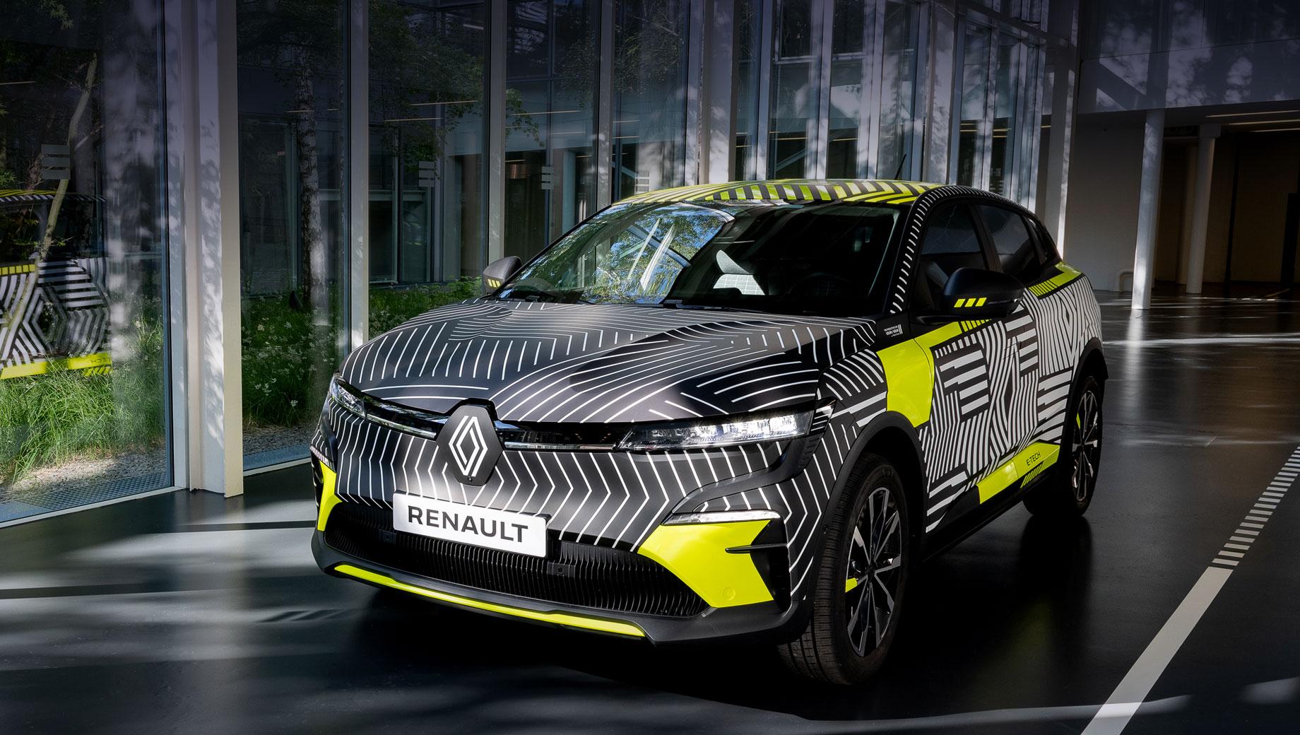 Хэтчбек Renault Megane E-Tech Electric сыграет премьеру осенью