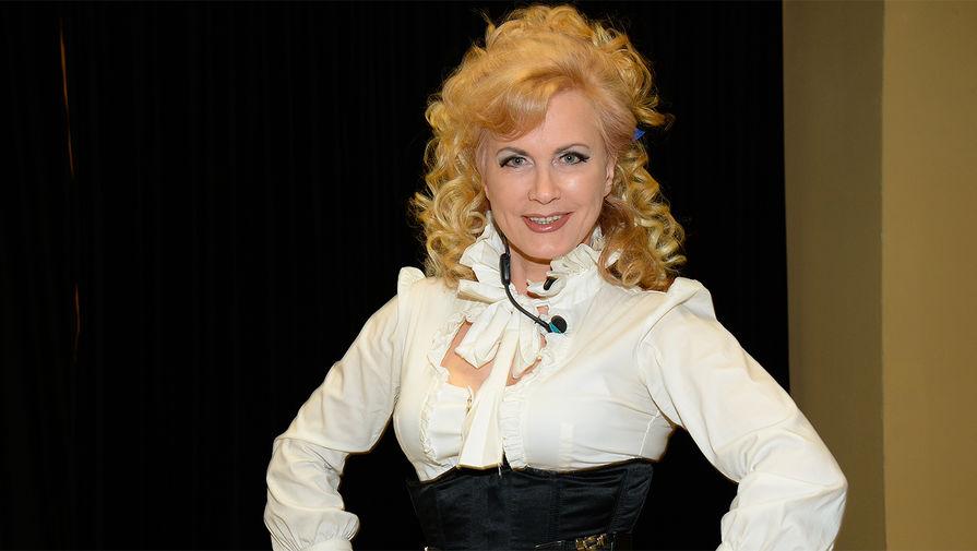 Экс-солистка 'Миража' пожаловалась на мошенников в шоу-бизнесе