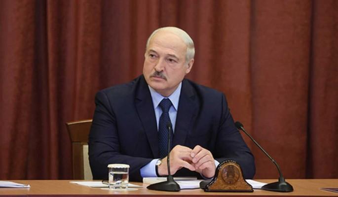 Эксперт о невозможности 'красивого' ухода Лукашенко: Знает то, чего не знаем мы
