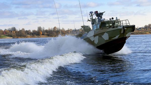 Российские военные спасли иностранного моряка в Финском заливе
