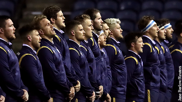 Шотландские футболисты отказались преклонять колено на Евро-2020