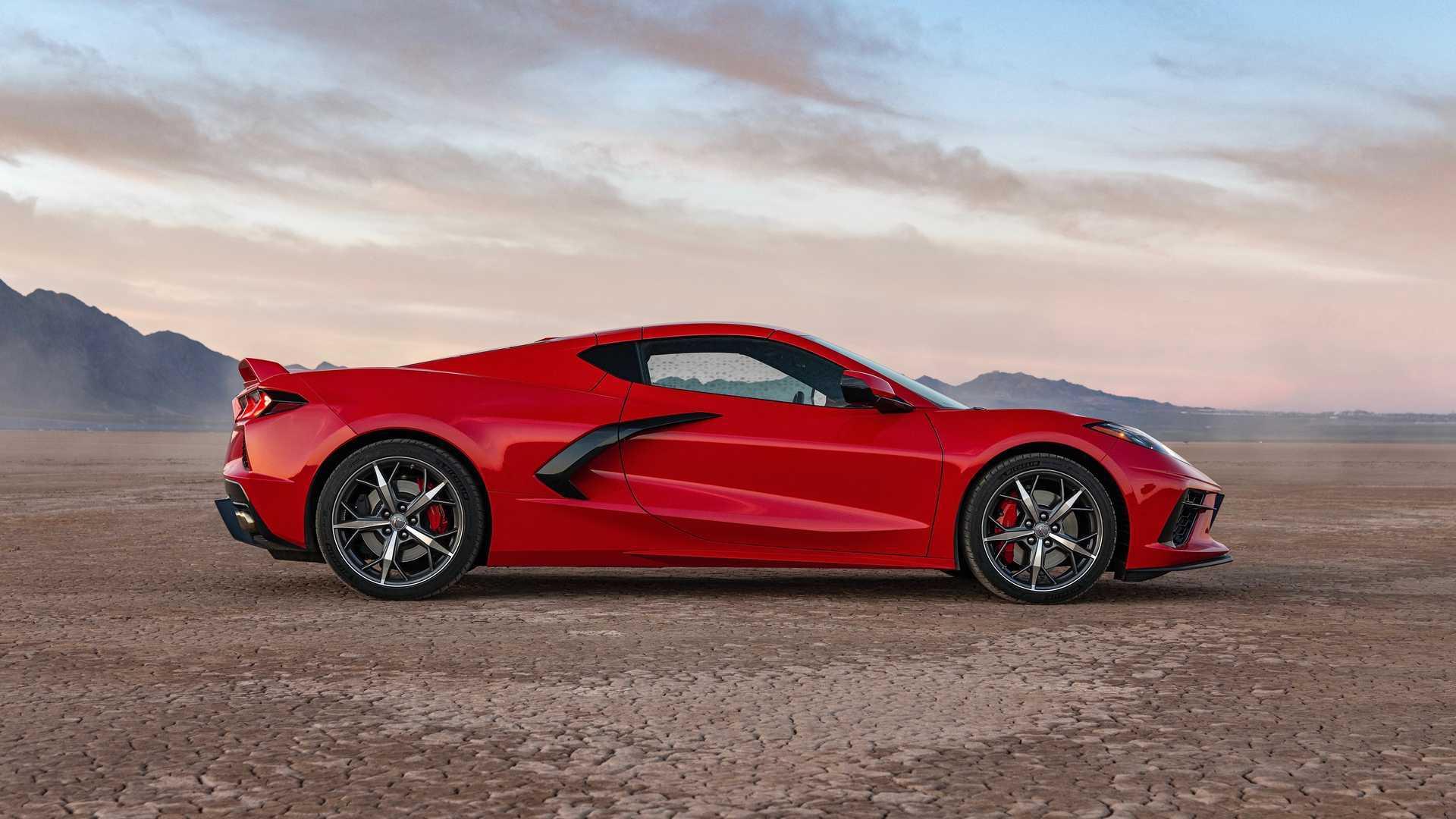 Chevrolet Corvette перестанут красить в три цвета с 2022 года
