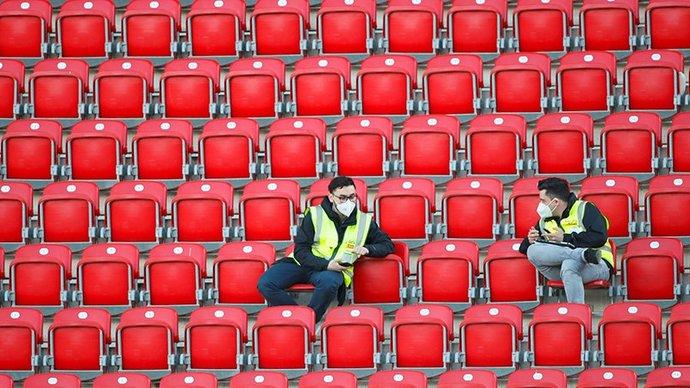 Фанаты «Боруссии» отказываются возвращаться на стадион, хотя клуб хочет проводить матчи со зрителями