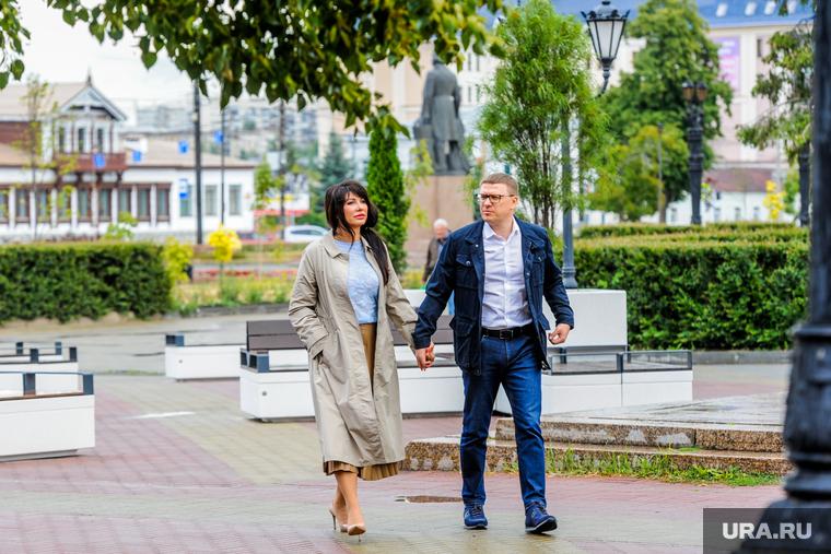 Текслер с женой проверили, как Челябинск выходит из карантина. ФОТО