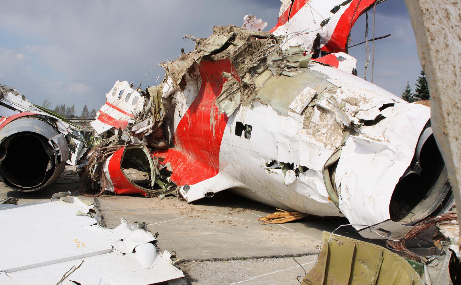 Польша решила арестовать работавших при крушении Ту-154 диспетчеров