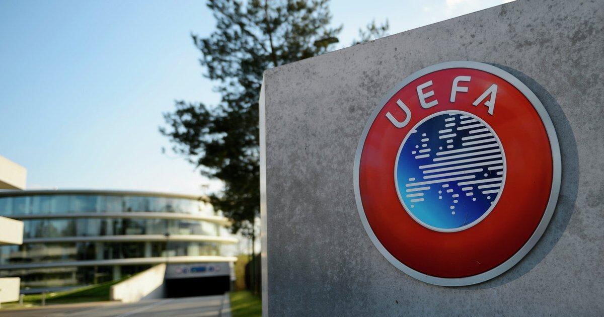 «Ваше мусорное «футбол вне политики» не стоит ни гроша». Украинский теннисист Стаховский недоволен УЕФА