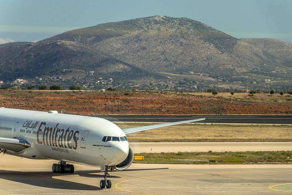 Авиакомпания Emirates уволит 30 000 сотрудников из-за пандемии