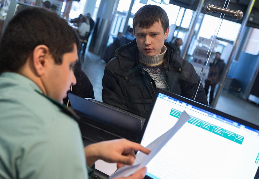 Власти захотели дать налоговикам расширенный доступ к банковской тайне россиян. К чему это может привести