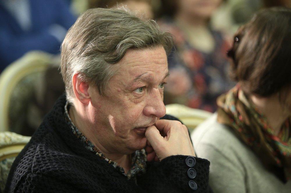 'Чувствовал свою безнаказанность'. Худрук МХАТа призвал 'поставить на место' Ефремова